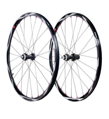 Shimano Centerlock XT WH-M775 disc brake bicycle wheel set