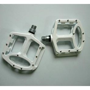 Wellgo BMX DH FR Bike Bicycle Pedals MG1 White